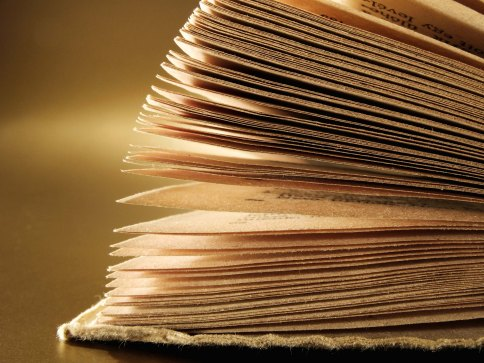 79f541b042a7f8341283b66313609d0b_kids-stories-books-and-the-image-of-a-book_2800-2100